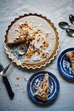 vegan coconut cream pie! and it's gluten free! | recipe via willfrolicforfood.com
