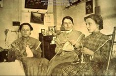 Sabbathday Lake 1915. Sisters knitting.