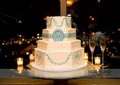 Blue & white wedding cake, would look great in any shade of blue, thinking to match blue and white vintage china collection
