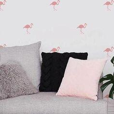 """Vocês já conhecem nossos adesivos de Flamingos? São fofinhos, cheio de charme e você pode escolher varias cores 🌈  Para comprar entre no site (URL na bio) e escreva no campo de busca """"Flamingos"""" 💕  #flamingos #adesivos #adesivosdecorativos #decoração #decora #infantil #quartoinfantil #modedeco #apartamento #apto #quartodemenina #quartoinfantil #quarto #pelucia #kids #decorando #decorarmaispormenos #natal #fimdeano #dicadepresente #blackfriday"""