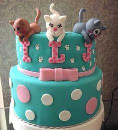 Fofura de bolo no tema Gatinha para 3 Aniversariantes! Beautiful Cakes, Amazing Cakes, Vet Cake, Fondant Cat, Kitten Cake, Tiger Cake, Cat Cupcakes, Puppy Cake, Minnie Cake
