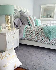 Teenage Room Makeover On A Budget How to redo a teenage girl's bedroom if you're on a budget and/or it's a really SMALL bedroom? Below are some cheap ways to decorate a teenage girl's bedroom that I LOVE! A teens bedroom is their sanctuary, where … Teenage Girl Bedroom Designs, Teenage Girl Bedrooms, Teal Teen Bedrooms, Teen Bedroom Mint, Bedroom Girls, Guest Bedrooms, Teenage Room, Bedroom Ideas For Teen Girls Small, Teen Girl Bedding