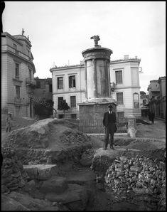 Το Μνημείο του Λυσικράτη, γνωστό και ως Φανάρι του Διογένους, 1928. Φωτογραφία: Gabriel Welter/German Archaeological Institute. | by Dionysis Anninos