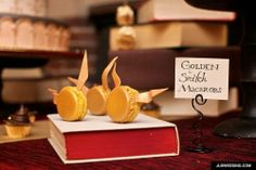 harry potter golden macarons