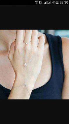 Bracelets – Page 2 – Modern Jewelry Fancy Jewellery, Stylish Jewelry, Simple Jewelry, Cute Jewelry, Modern Jewelry, Jewelry Accessories, Diamond Jewellery, Hand Jewelry, Body Jewelry