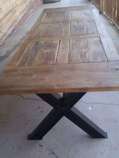 My new Industrial Antique kitchen table! love this but would change the legs Metal Work, Wood And Metal, My Living Room, Kitchen Inspiration, Country Kitchen, Wood Working, My Dream Home, Home Projects, Diy Furniture