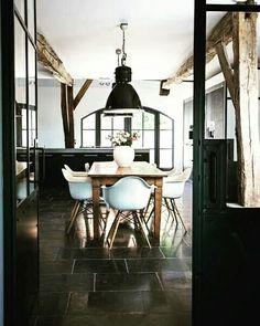 Modern home design Industrial Interior Design, Industrial Interiors, Home Interior Design, Interior Decorating, Modern Industrial, Industrial Dining, Industrial Closet, Industrial Bookshelf, Color Interior