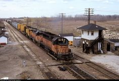 High quality photograph of Milwaukee Road EMD # MILW 152 at Milwaukee, Wisconsin, USA. Milwaukee Road, Milwaukee Wisconsin, Location Map, Photo Location, Locomotive, Trains, Chicago, Tower, American
