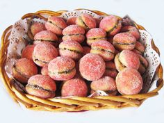 These biscuits are a traditional Croatian recipe that look like little peaches rolled in sugar and colored in food coloring to get an authentic peachy look. They are filled with cocoa filling with rum and are usually kept for special … Continue reading →