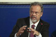 Ministro da Defesa quer novo imposto para financiar a construção de presídios
