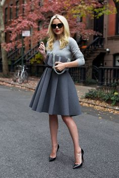 Outfit skirt 18 Outfit Ideas for Your Office Holiday Party office holiday party outfit idea sweater full skirt atlantic pacific Lady Like, Christmas Party Outfits, Holiday Party Outfit, Xmas Party, Party Party, Essentiels Mode, Fashion Outfits, Womens Fashion, Fashion Trends