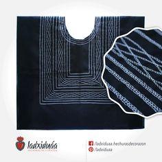 Huipil sencillo negro, con tejido de cadenilla en hilo gris.