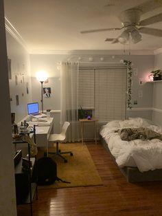 Room Design Bedroom, Room Ideas Bedroom, Bedroom Decor, Study Room Decor, Indie Room, Minimalist Room, Pretty Room, Aesthetic Room Decor, Cozy Room