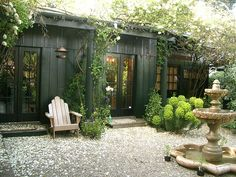 Incredible and cozy backyard studio shed design ideas Cozy Backyard, Backyard Studio, Backyard Retreat, Outdoor Rooms, Outdoor Gardens, Outdoor Living, Outdoor Office, Exterior Colors, Exterior Paint