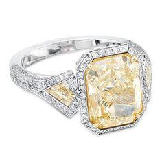 FOR THE ENGAGEMENT || Canary Yellow Diamond Ring with halo & diamond shaped side stones || NOVELA BRIDE...where the modern romantics play & plan the most stylish weddings.... www.novelabride.com @novelabride #jointheclique #novelabride