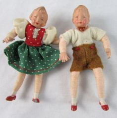 2 Old German Doll House Kathy Kruse Type Faces. Dollhouse Family, Dollhouse Dolls, Miniature Dolls, Dollhouse Miniatures, Doll House People, Antique Dollhouse, China Dolls, Doll Head, Hello Dolly