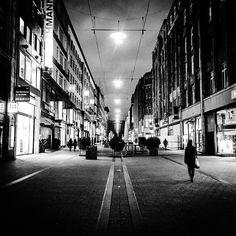 #instagood #instaphoto #hamburg #hh #welovehh #ilovehh #igershamburg #moinmoin #hamburgerecken #hhahoi #wearehamburg #wirsindhamburg #instahamburg #ig_hamburg #hamburgcity #hamburglove #hamburgliebe #hamburgmeineperle #torzurwelt #lovesgermany #sweetdreamsmag #mafia_streetlove #landscape #streetview #schwarzweiss #blackwhite