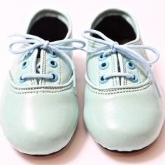 Girls Mint Leather Oxford Shoes {by goldenponies} www.shopsweetthreads.com