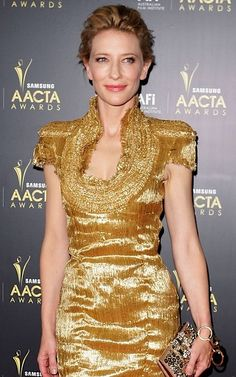 Cate Blanchett in Alexander McQueen. I could stare at her all day <3!