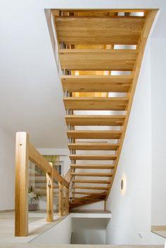 Holzstiege mit Relinggeländer Modern, Bathtub, Stairs, Collection, Home Decor, Hand Railing, Stairway, Standing Bath