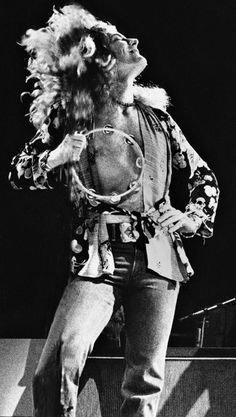 Robert Plant! He looks fab!!