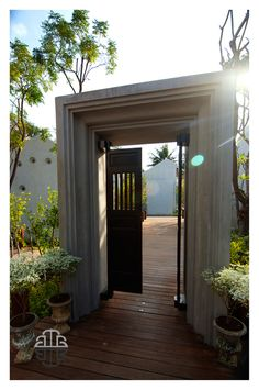 47 Best Ideas for house entrance lobby hallways Garden Entrance, Entrance Gates, House Entrance, Temporary Architecture, Asian Architecture, House With Porch, House Front, Architect House, Architect Design