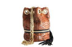 Delphine Delafon Handbags Spring 2015 Collection #delphinedelafon   #handbags   #fashion   http://www.bliqx.net/delphine-delafon-handbags-spring-2015-collection/