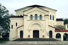 Riverside Baptist Church in Jacksonville, Florida was designed by Addison Mizner