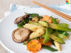 Easy recipe for stir-fry leeks with vegetables in taucheo (soy bean paste). This is an auspicious dish during Chinese New Year, but they are good for any day too.