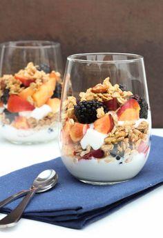 Blackberry & Nectarine Yogurt Parfait ~ Amazing combo tart blackberries and  sweet of the nectarines!