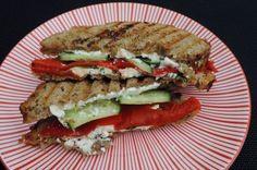 Hot sandwich feta met gegrilde paprika