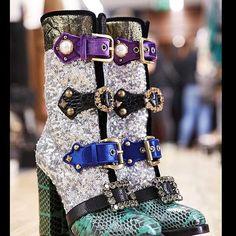 #Fashion #fashionista  #runwayshow  #fashionweek  #dolcegabbana  #shoedesign  #shoeoftheday  #highfashion  #couture  #luxury  #ootd  #blogger  #bloggerstyle  #loveit❤️