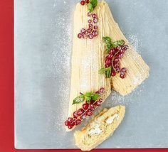Treat your Christmas party guests to a salted caramel yule log, or bûche de Noël, decorated with redcurrants. It makes a great centrepiece dessert Dessert Recipes For Kids, Bbc Good Food Recipes, Healthy Recipes, Dinner Recipes, Christmas Desserts, Christmas Recipes, Xmas Food, Christmas Pudding, Christmas Cakes
