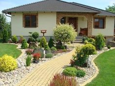 50 Amazing Front Yard Landscaping Ideas for You Try Vorgarten Front Garden Landscape, Garden Paths, Landscape Design, Garden Design, Desert Landscape, Patio Design, Landscaping With Rocks, Front Yard Landscaping, Backyard Landscaping
