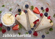 Jälkkäritortilla, Resepti: Valio #kauppahalli24 #jälkiruoka #tortilla #resepti #ruokaidea #verkkoruokakauppa Sweet Tooth, Mexican, Baking, Ethnic Recipes, Desserts, Food, Shower Ideas, Happiness, Baby Shower
