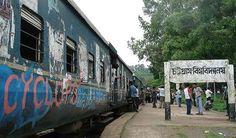 শাটল ট্রেনে ছাত্রলীগের মারধরের শিকার চবি শিক্ষার্থী - http://paathok.news/21011