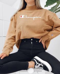 @sajornara 🐳 Trendy Fall Outfits, Cute Outfits For School, Trendy Clothes For Women, Teen Fashion Outfits, Retro Outfits, Edgy Outfits, Basic Outfits, Teen Winter Outfits, Cute Highschool Outfits
