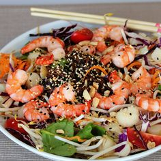 Shrimp and soba noodles are tossed with spinach, carrots, cabbage, and snow peas in orange miso vinaigrette for this healthy copycat salad. Soba Salad, Noodle Bowls, Noodle Salads, Recipe Creator, Food Garnishes, Soba Noodles, Pasta, How To Cook Shrimp, No Cook Meals