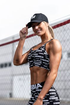 The design is made for all your power moves and they will as well highlight the beauty of a female body. They will be so comfortable that you won't even want to take them off. Workout Leggings, Women's Leggings, Clean Ocean, Bikini Workout, Female Bodies, Fitness Fashion, Highlight, Fitness Motivation, Muscle