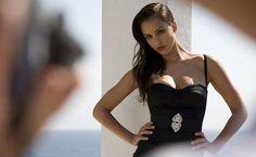 Top 10 Most Beautiful Women In World In Hindi