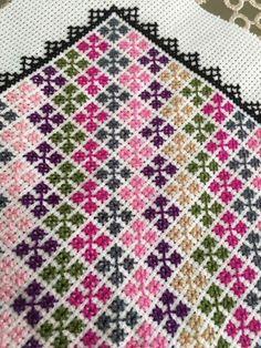 Biscornu Cross Stitch, Cross Stitch Tree, Cross Stitch Bookmarks, Cross Stitch Cards, Cross Stitch Borders, Modern Cross Stitch, Cross Stitch Designs, Cross Stitching, Cross Stitch Embroidery