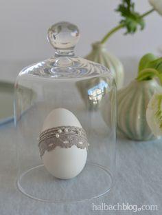 halbachblog I Ostereier basteln I Spitze und Leinengimpe mit Perlen I Pastell I Natur