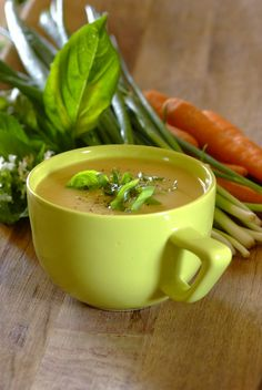 Home-made Vegetable Soup. A healthy that requires minimal ingredients - the perfect month-end meal! Health Eating, Healthy Eating Tips, Healthy Soups, Healthy Recipes, Healthy Food, New Recipes, Soup Recipes, Recipies, Favorite Recipes