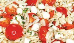 Perfect For Picnics: Quick Caprese Orzo Salad :: YummyMummyClub.ca