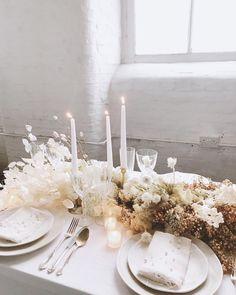 Centerpiece Decorations, Decoration Table, Table Centerpieces, Centrepieces, All White Wedding, Floral Wedding, Wedding Flowers, Wedding Table Settings, Wedding Reception Decorations
