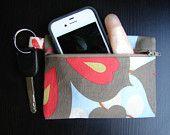 Keychain wallet in Mod Blooms