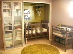 Crib in closet Apartment Nursery, Nursery Nook, Project Nursery, Nursery Ideas, Baby Nursery Diy, Bedroom Ideas, Small Space Nursery, Small Closet Space, Small Spaces