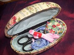 56 Ideas For Sewing Kit Storage Ideas Needle Case Sewing Tutorials, Sewing Crafts, Sewing Projects, Sewing Kits, Sewing Case, Sewing Accessories, Sewing Notions, Glasses Case, Sewing For Beginners