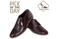 ➦A gracefully designed pair of brogues shoes from Heels and Shoes fulfills a need of classy look. Follow this link for direct access to this collection. Semi Formal Shoes, Men's Shoes, Dress Shoes, Mens Shoes Online, How To Look Classy, Brogues, Oxford Shoes, Lace Up, Pairs