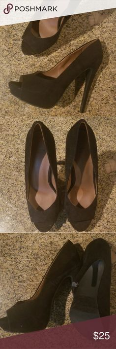 SHI SEXY Black Pumps Practically brand new Shi sexy black suede pumps! Peep toe with a spike heel. Great with your little black dress or a night out on the town! Woman's size 6 1/2.   Shoes, high heels, hot, pumps, woman's fashion, lbd, date night, cocktail hour, Shi by Journeys Shi by JOURNEYS Shoes Heels